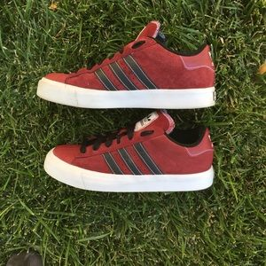 (Like New) Adidas suede superstar shell toe unisex